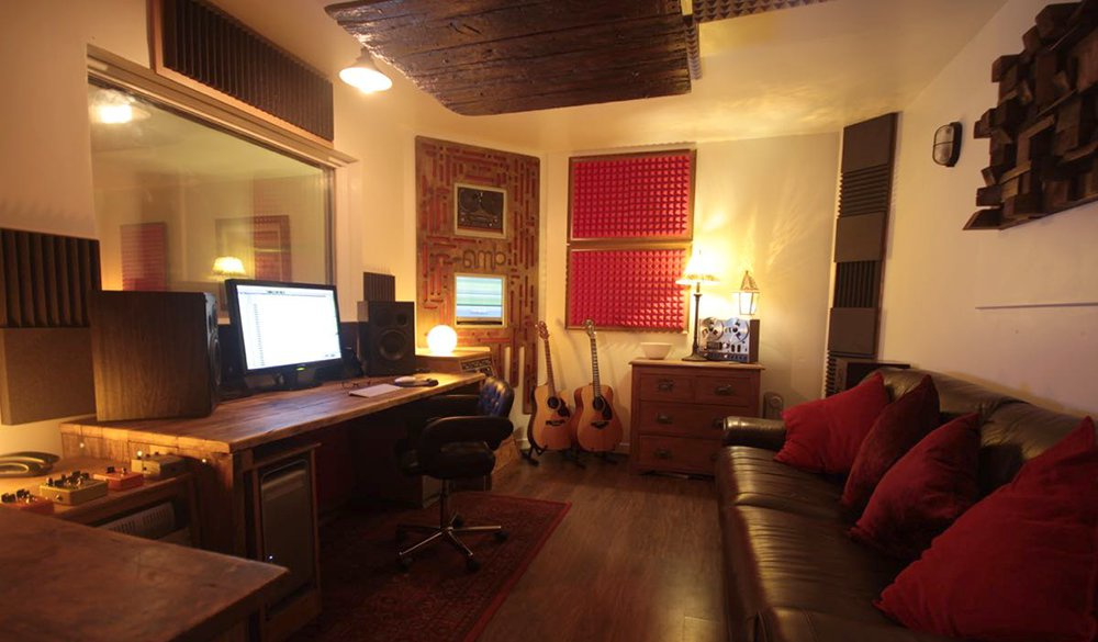 reclaimed wood studio furniture